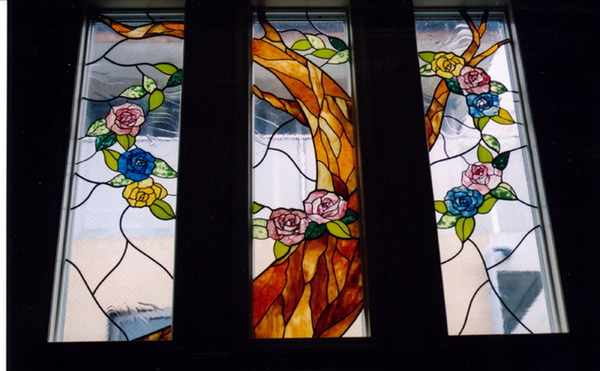 ステンドグラス オーダーメイド 高輪3連窓、薔薇 のサムネイル