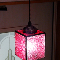 4面体ピンク ステンドグラス ペンダントライトのサムネイル