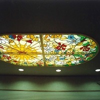 歯科医院、天窓のステンドグラスのサムネイル