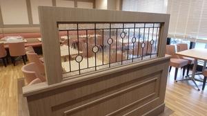 鎌倉カフェにステンドグラスパネル設置