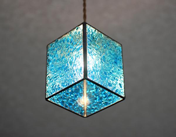 ブルー4面体、ペンダントライトのサムネイル