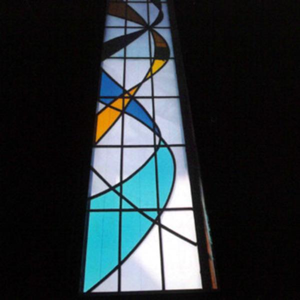 ステンドグラス 新築 オーダーメイド 階段窓 ひかり