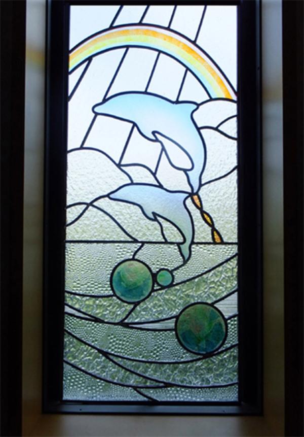 イルカのステンドグラスのサムネイル