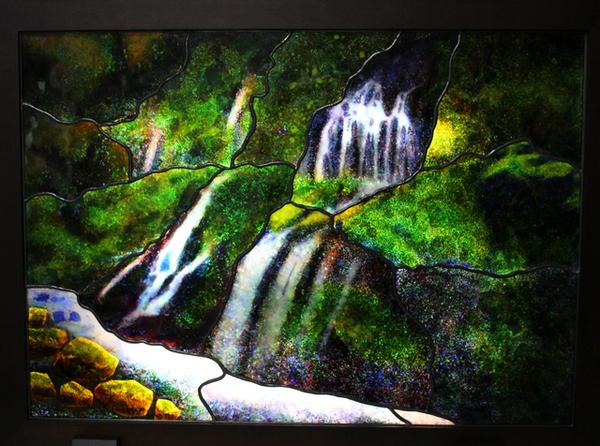元滝伏流水 ステンドグラスのサムネイル