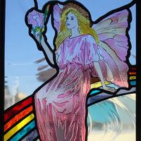 虹に座るフェアリー ステンドグラスのサムネイル