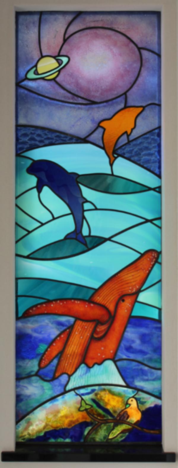 宇宙とクジラのステンドグラスのサムネイル