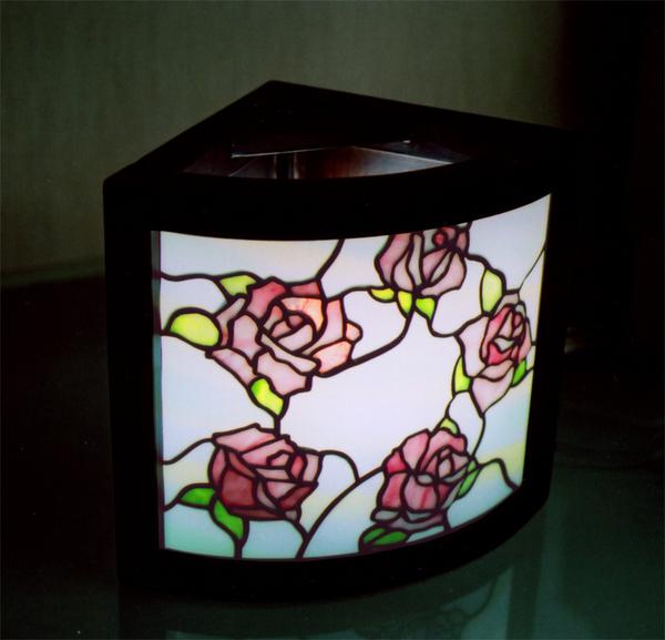 コーナー行燈、薔薇のステンドグラス オーダーメイド 新築のサムネイル