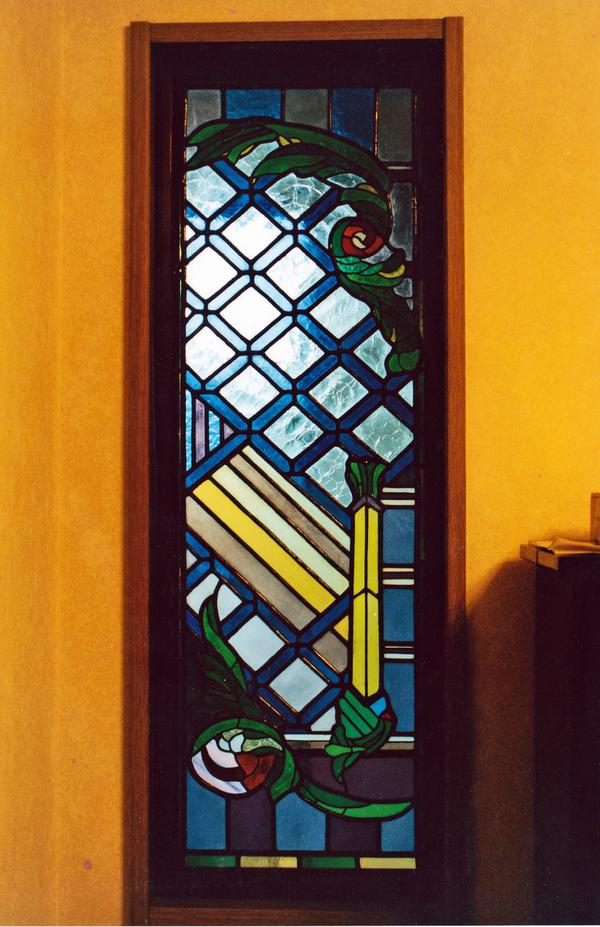 ステンドグラス オーダーメイド 新築 リフォーム 剣と薔薇 のサムネイル