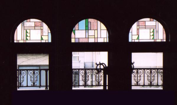 ステンドグラス 新築 オーダーメイド 幾何学3連窓