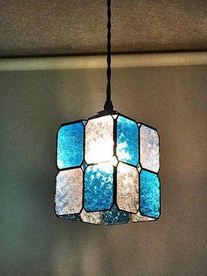 玄関室内灯として 市松模様のペンダントライト