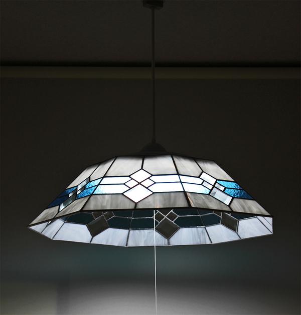 8面体の立体ジュエルガラスを使ったランプ