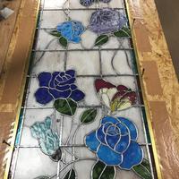 青いバラのステンドグラス