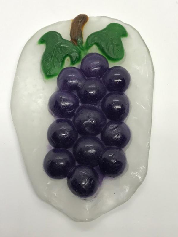 葡萄のレリーフ作品